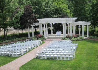 Lawn and Gardens Outdoor Weddings